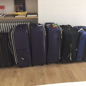 Delivery 6 pieces of luggage (approx 30kg each) and 1 boxed bike