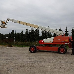 Delivery boom lift