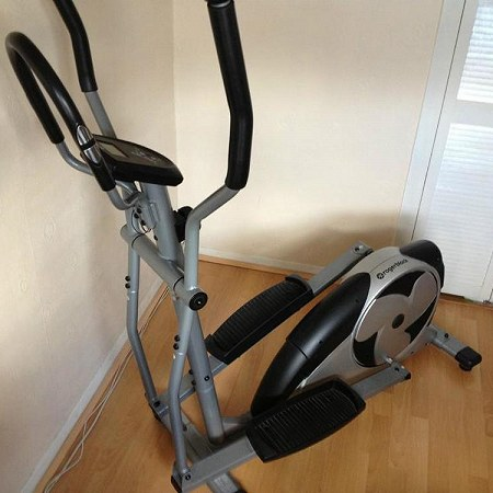 Cross trainer (assembled)