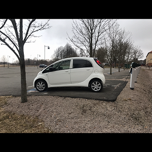 Delivery Peugeot ion electric small car