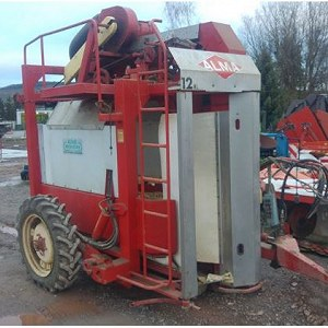 Delivery 1x AKPIL ALMA RN 12 HL vineyard tractor
