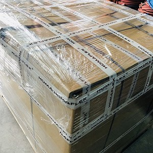 Delivery 1 pallet Hydraulic hoses